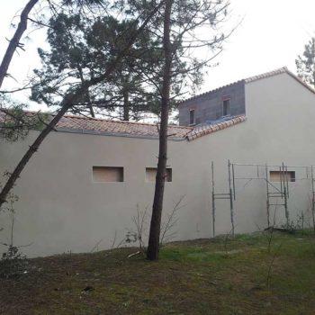 Chantier d'enduit de façade en Vendée 85